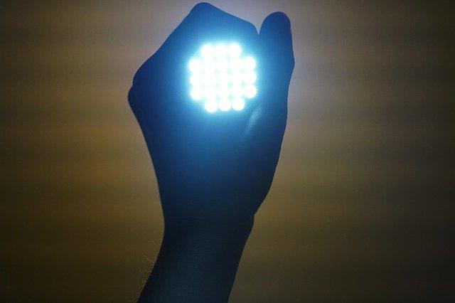 תאורת חירום לד